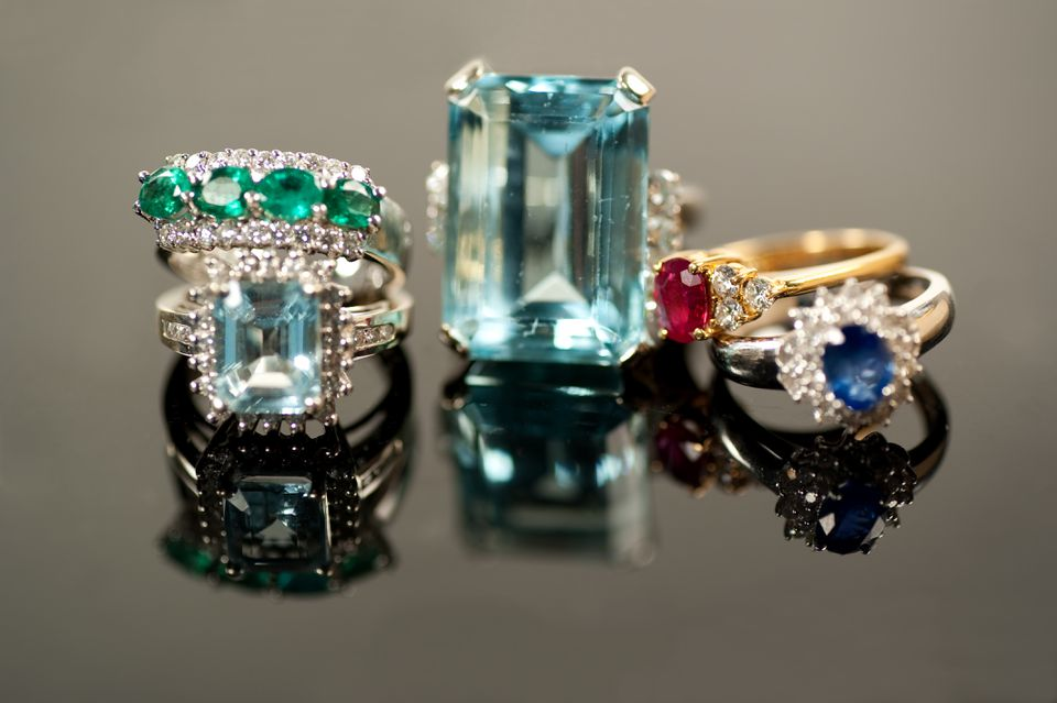 Gemstone Rings – The Glow of the Ruby 004